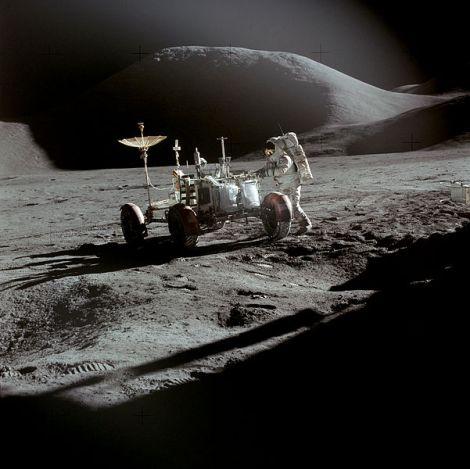 601px-Apollo_15_Rover,_Irwin